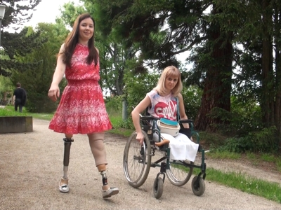 Pamela & Jasmin - Spaziergang