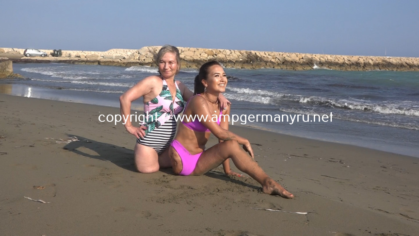 Teona & Maria, Beachday Part 2